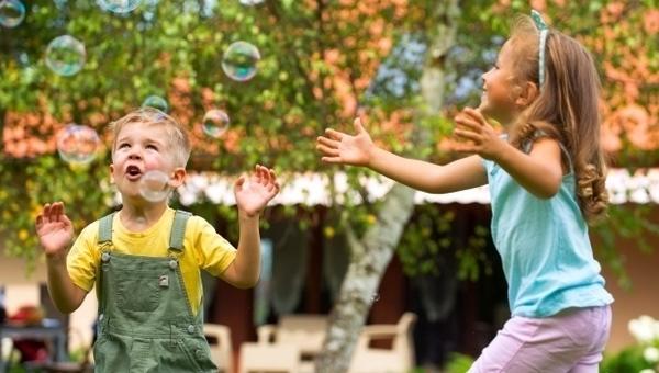 Tile_play-in-preschool