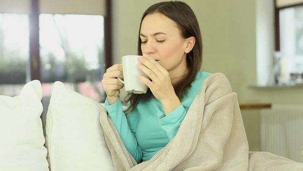 Tile_drinking_tea